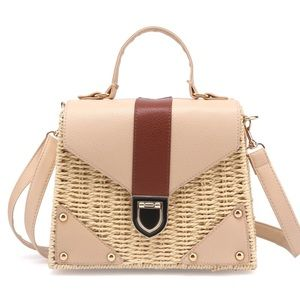 Boho woven bag gold and nude details chic trendy